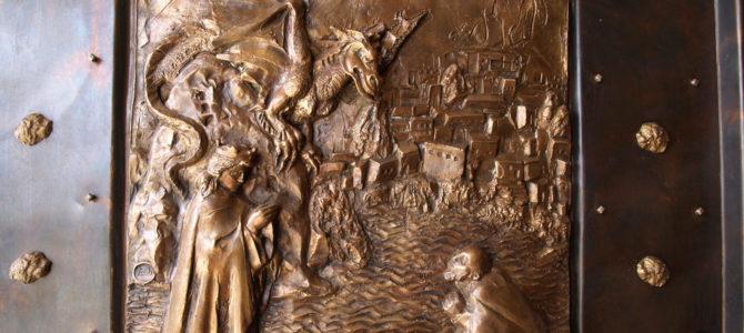 Szt. György plébánia és a templom új ajtaja